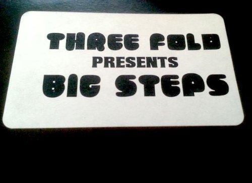 Bild 1: Three Fold, Big steps (white label, #tf001)